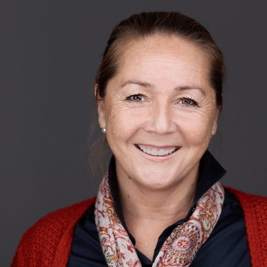Drs. Joyce Carols